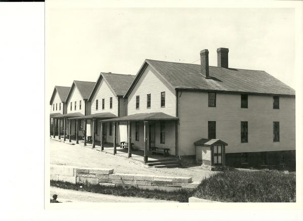 Barracks at Fort Preble.jpg